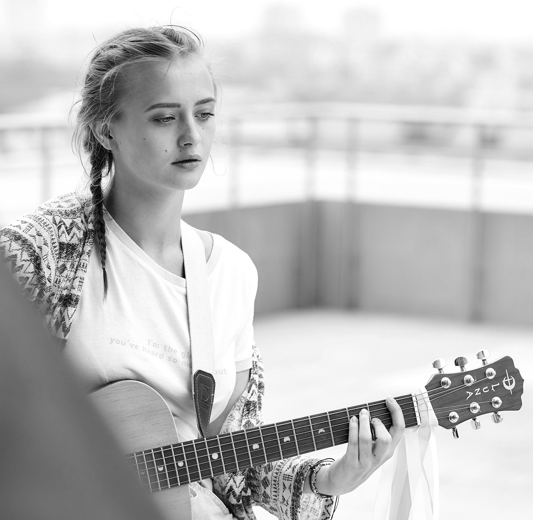 Песня Дэвида Боуи на белорусском для проекта «Беларускія ўікэнды»